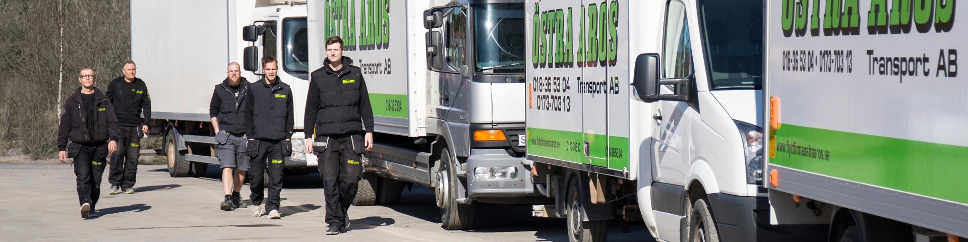Flyttfirma Östra Aros med bilar